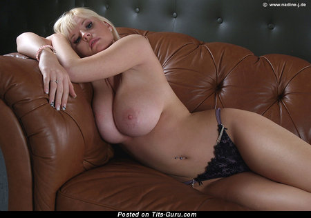 Sonia Blake - Lovely Blonde Babe with Lovely Bare Real Soft Knockers (Xxx Foto)