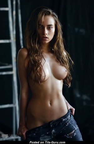 Exquisite Babe with Exquisite Nude Natural C Size Boobys (18+ Foto)