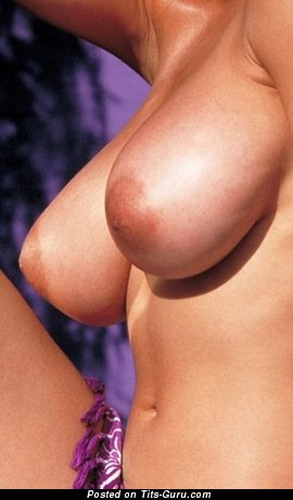 Image. Nice girl with natural tittys pic