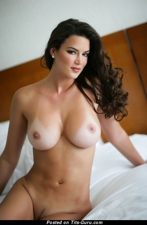 Image. Tiffany Taylor - sexy naked amazing lady with big breast picture