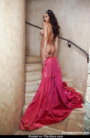 Изображение. Jaclyn Swedberg - фотография шикарной голой брюнетки с большой натуральной грудью