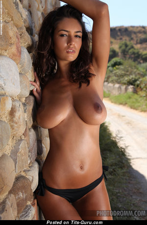 Ela Savanas - nude nice lady with medium natural breast and big nipples image