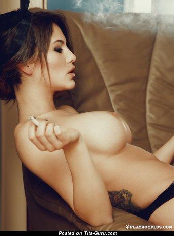 Elena Petkova - фото восхитительной раздетой чувихи