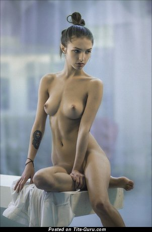 Dazzling Woman with Dazzling Exposed Real Soft Boobs (Sexual Foto)
