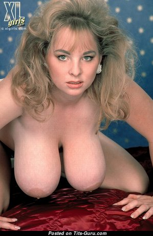 Big Boobs - Sweet Topless & Glamour Babe & Housewife with Sweet Defenseless Natural Titties & Red Nipples (Hd 18+ Image)