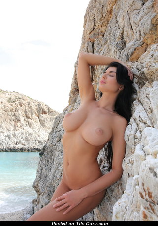 Image. Nude amazing lady with big natural tots pic
