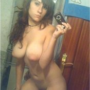 Hot lady with big tittes selfie