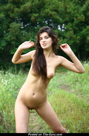Nascha - nude brunette with natural tittes pic