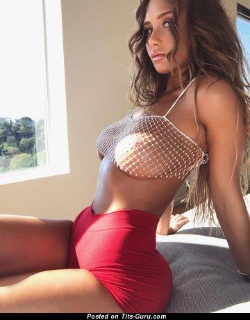 Niykee Heaton: sexy naked red hair with natural boob image