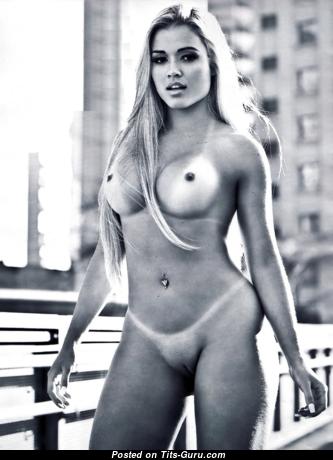 Aryane Steinkopf: nude latina blonde with fake boobs photo