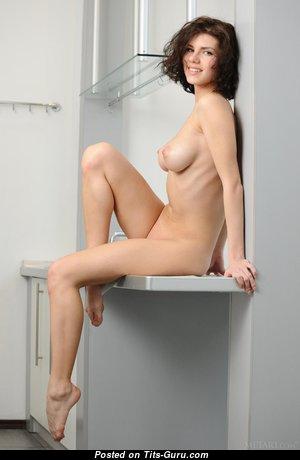 Fascinating Naked Babe (Hd Porn Image)