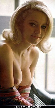 Anne Randall - Superb Topless American Blonde Babe with Superb Bald Real Normal Tittes & Weird Nipples (Vintage Hd Sex Image)