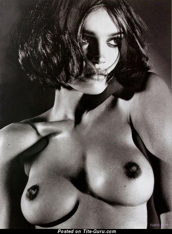 Image. Nude nice woman with natural boobs image