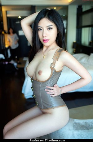 Image. Yi Yao Feng - asian with natural tittys pic