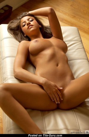 Изображение. Картинка умопомрачительной обнажённой леди