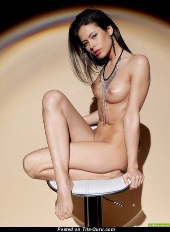 Image. Nude brunette with medium natural tittys picture