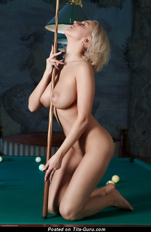Image. Mandy Dee - naked hot girl with natural tots picture