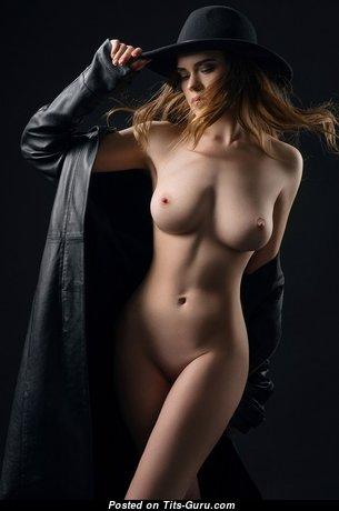 Ellina Myuller - Amazing Naked Blonde (Sexual Photo)
