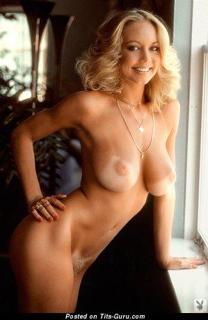 Изображение. Kym Malin - фото восхитительной обнажённой блондинки с средней натуральной грудью