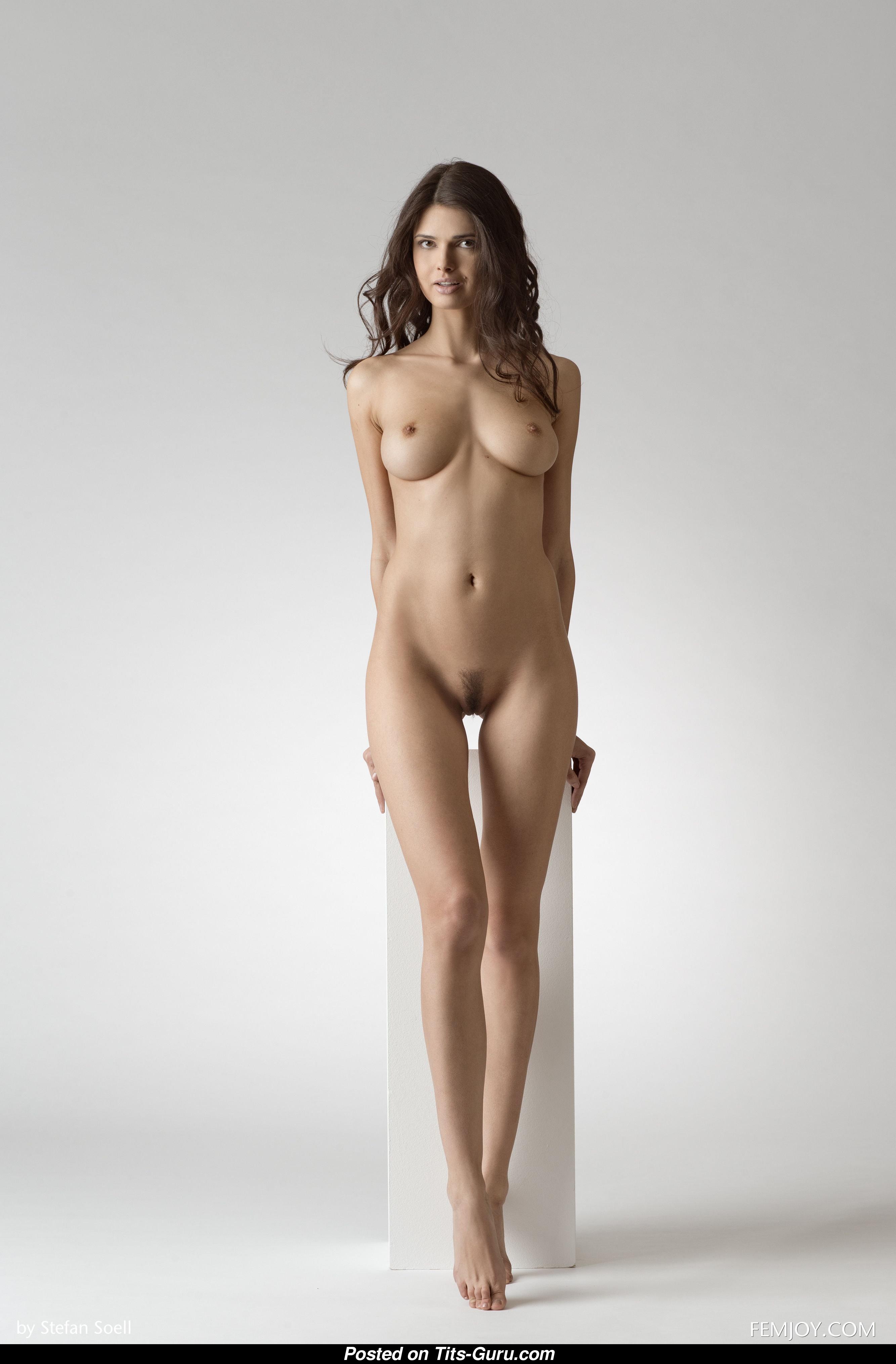 Jasmine Andreas - Nude Brunette With Medium Boobies Picture  0504 -4563