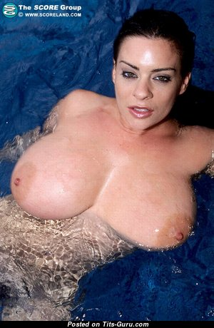 Big Boobs - Splendid Topless, Wet & Glamour Babe with Large Nipples in the Pool (Hd 18+ Photo)