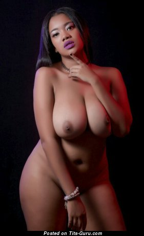 Emmybell - Superb Ebony Brunette Babe with Superb Exposed Natural Med Boobies (Xxx Photo)
