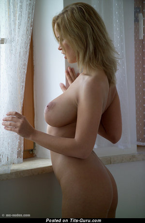 Image. Renata Daninsky - sexy nude nice woman with medium natural tittes picture
