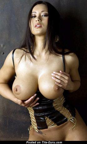 Изображение. Фотография восхитительной голой женщины с большими сисечками