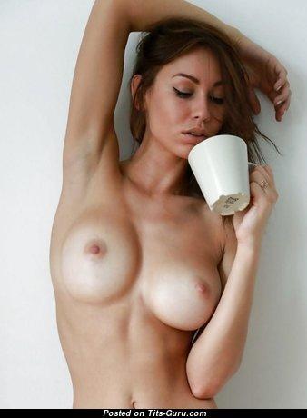 Wonderful Naked Babe (Sex Photo)