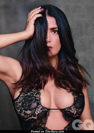 Salma Hayek - Perfect Topless & Non-Nude Mexican Brunette Actress with Perfect Regular Tittes & Erect Nipples (Hd Xxx Foto)