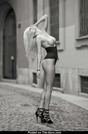 Olga De Mar - Sexy Nude Blonde Babe (Sexual Pix)