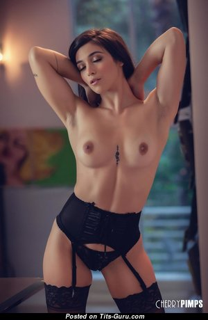 Fine Glamour Babe with Fine Exposed Real Meager Tittes & Pointy Nipples (Porn Foto)