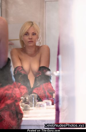 Elisha Cuthbert - Dazzling Canadian Blonde Actress with Dazzling Naked Real C Size Titty (Hd Sex Wallpaper)
