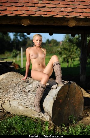 Image. Nude awesome lady with natural tots image