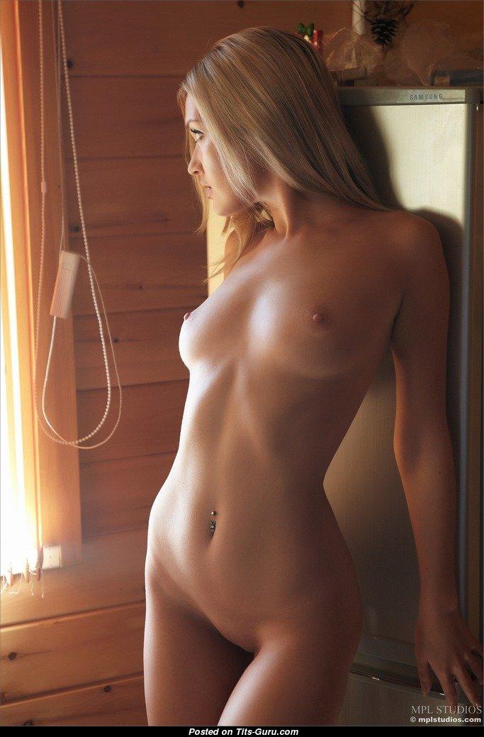 monica-chantal-naked