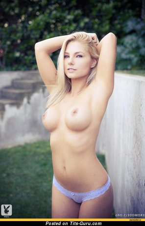 Image. Nude hot female with medium tits picture