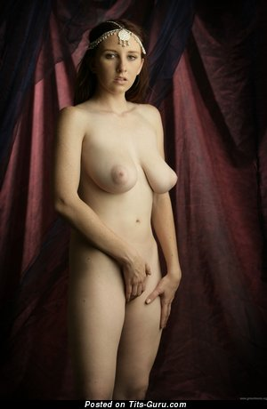 Image. Sarah Of Rafeynor - hot woman with medium natural boob image