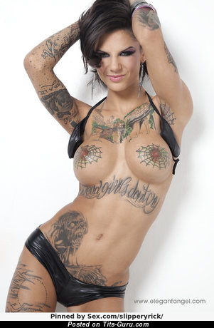 Bonnie Rotten - naked nice woman with medium fake tittes picture