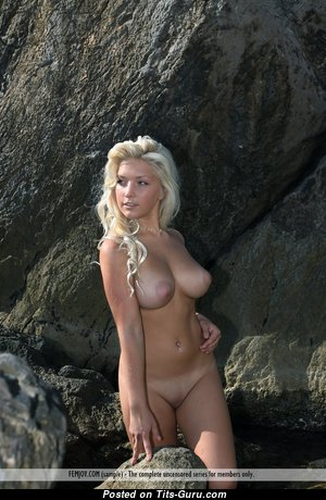 Marylin - Nice Undressed Doll is Undressing (Hd Porn Foto)