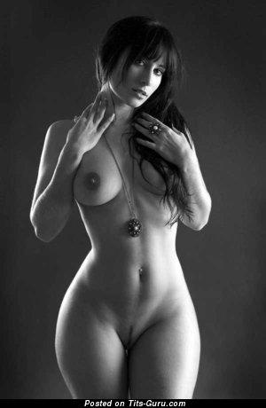 Elegant Undressed Babe (Sexual Image)
