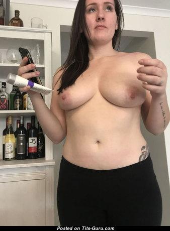 Kasey - Sweet Wife with Sweet Nude Regular Knockers (Amateur Porn Image)