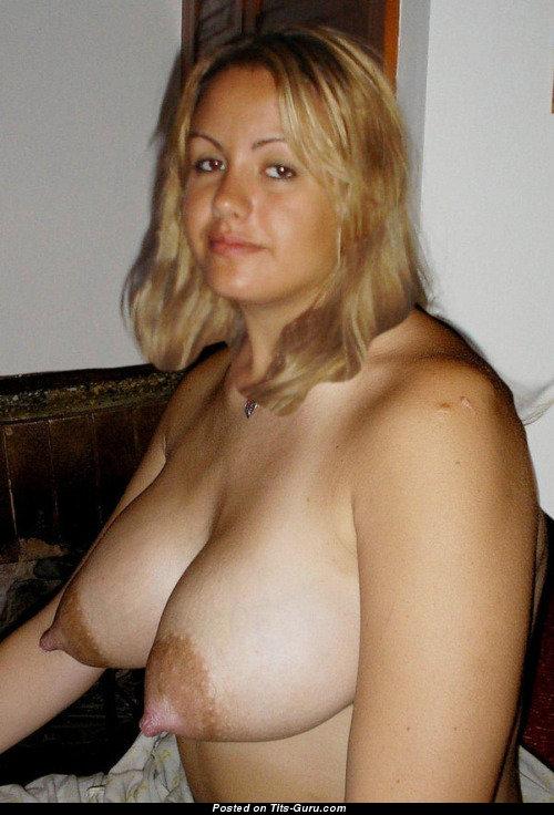 Blonde girls wet pussy