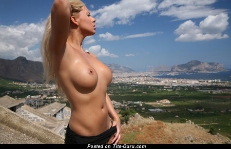 Image. Nude wonderful woman pic