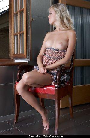 Image. Naked hot lady with medium natural tittes pic