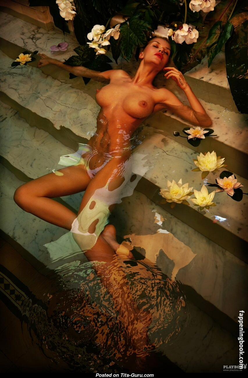 Sarah kulka nude