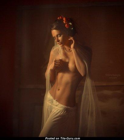 Изображение. Ekaterina Vladi - картинка невероятной голой модели с средними натуральными сисечками
