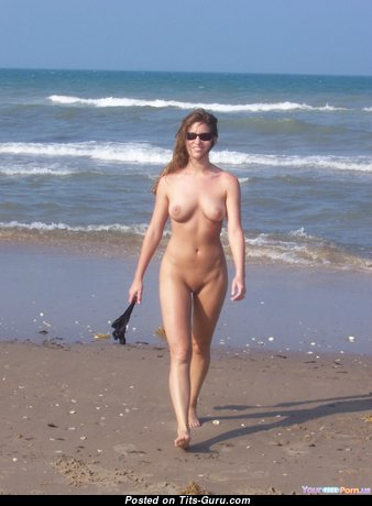 The Nicest Naked Babe on the Beach (on Public Hd 18+ Wallpaper)