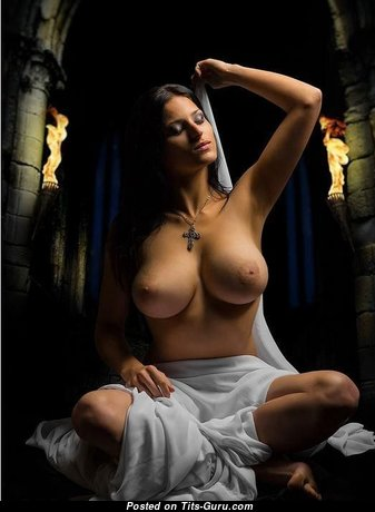 Magnificent Babe with Stunning Bald Average Knockers (Xxx Image)