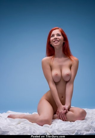 Ariel Piper Fawn - Pretty Czech Red Hair Babe & Pornstar with Pretty Bald Natural C Size Titties & Large Nipples (Xxx Foto)