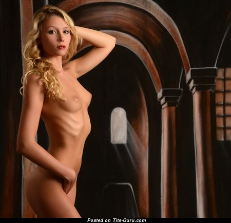Fanny - Dazzling Unclothed Blonde Babe (Hd 18+ Wallpaper)
